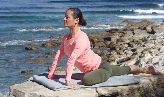 Anoshe Overington, Stillness in Yoga, Womens circle, Shakti workshops, Nianna Bray, Coco Bliss, Fertility yoga, Well-being for women, Yoga Festival Terschelling, Vrouwen dans, Yoni yoga, Divine feminine