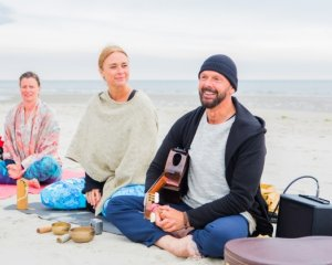 yoga festival terschelling camping de kooi yogavakantie yogaretreat yogainconcert jankuiper yvonnedehoop