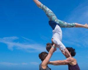 yoga festival terschelling camping de kooi yogavakantie yogaretreat acroyoga